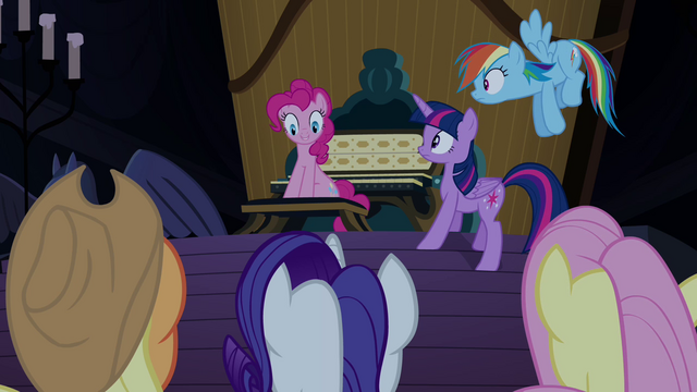 "File:Pinkie Pie helping with her friends' ""party"" S4E03.png"