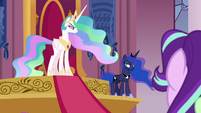 Celestia and Luna suddenly glaring at each other S7E10