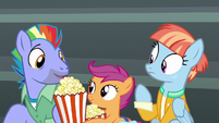 Scootaloo gives popcorn to Bow Hothoof S7E7