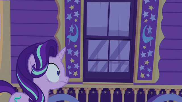File:Starlight Glimmer stunned outside Trixie's wagon S6E25.png