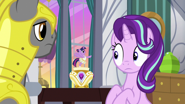 File:Starlight looks innocently at music box Twilight S7E10.png