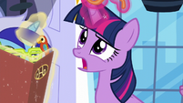 Twilight removes her sunglasses S5E12