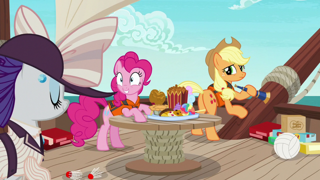File:Applejack disappointed by her distracted friends S6E22.png