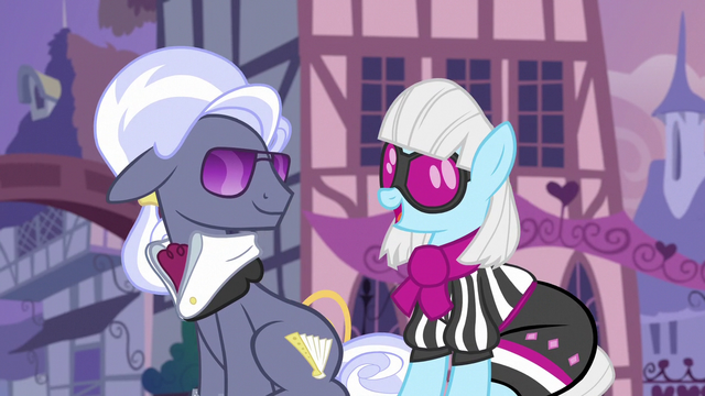 """File:Photo Finish """"it's the only way to travel"""" S7E9.png"""
