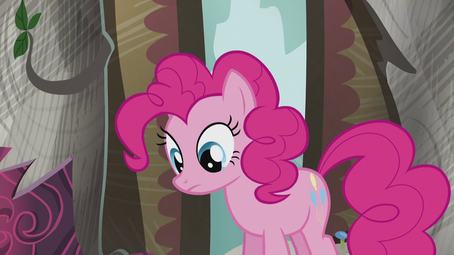 File:Pinkie sees the book S5E8.png