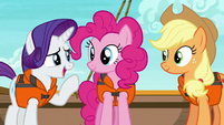 """Rarity """"trying to give the two of you"""" S6E22"""