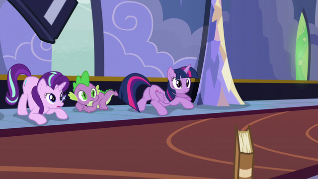 File:Twilight, Starlight, and Spike looking at Derpy S6E25.png