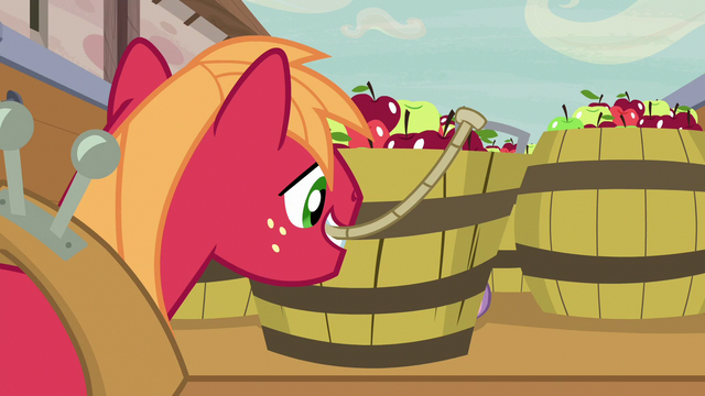 File:Big McIntosh picking up a barrel of apples S7E8.png