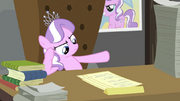 Diamond Tiara with papers S2E23.png