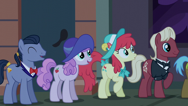 File:Manehattan ponies waiting for boutique to open S6E9.png