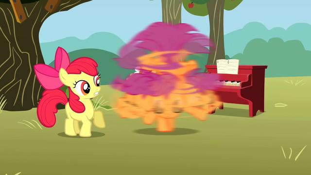 File:Scootaloo spinning S01E18.png