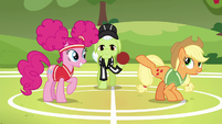 """Applejack """"try to be the first one to kick it"""" S6E18"""