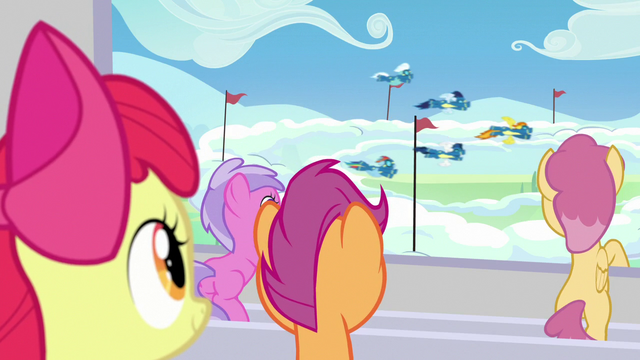 File:The Wonderbolts begin their performance S7E7.png