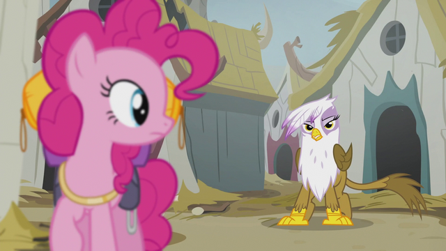 File:Pinkie sees Gilda S5E8.png