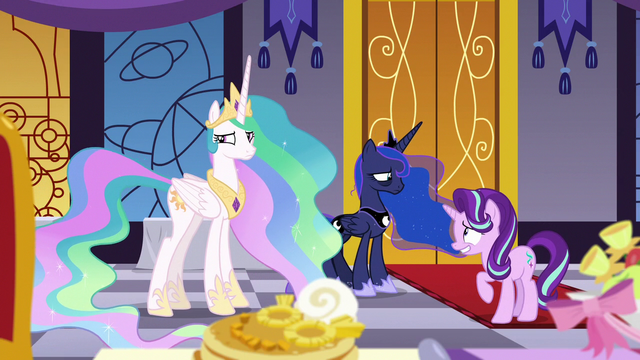 File:Starlight helps Celestia and Luna communicate S7E10.png