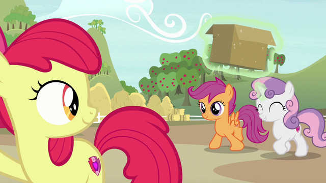 File:Sweetie Belle and Scootaloo arrive at the farm S7E8.png