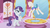 "Rarity ""oh, my goodness"" S01E03"