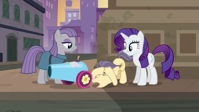 """File:Pouch Pony """"relax that jaw of yours"""" S6E3.png"""