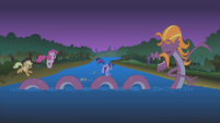 Steven Magnet makes a path for the ponies S1E02