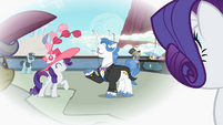 Rarity happy with Fancypants in her thought S2E9
