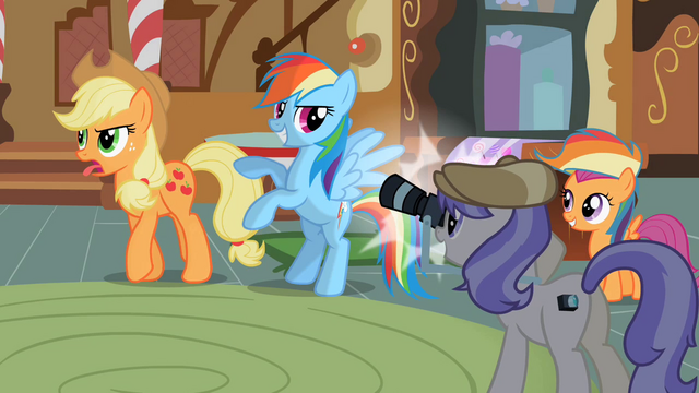 File:Applejack not pleased S2E8.png