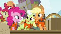AJ and Granny smiling for Pinkie S4E09