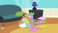 Spike under pile of clothes S4E24