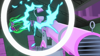 Mane-iac hit by laser recoil S4E06