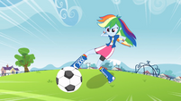 Rainbow Dash about to kick the soccer ball EG