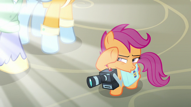File:Scootaloo shields her eyes from the blinding light S7E7.png