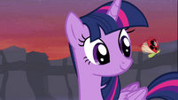 Twilight looking at ladybug S4E16
