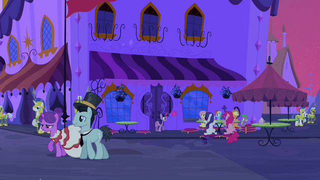 File:Canterlot at nighttime S2E25.png