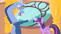 Discord about to pull Twilight's horn S4E11
