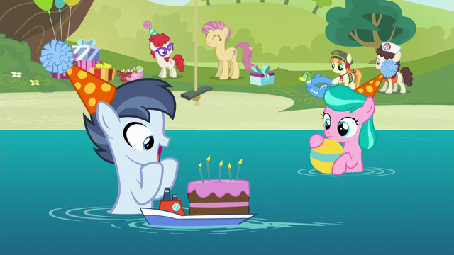 File:Shady Daze gets a birthday cake S5E19.png