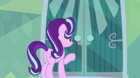 Starlight about to knock on Sunburst's door S6E1