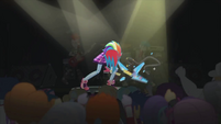 Rainbow Dash breaks her guitar EG2
