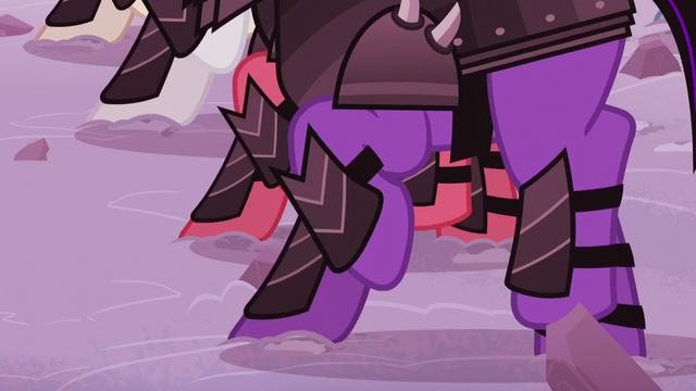 File:Crystal Ponies march onto the battlefield S5E25.png