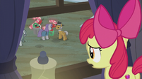 Apple Bloom looks at Maud outside S5E20