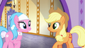 Aloe impressed with Applejack's work S6E10.png