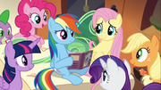Rainbow reads to her friends S4E22.png