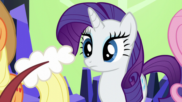 File:Discord rattles his tail at Rarity S5E22.png