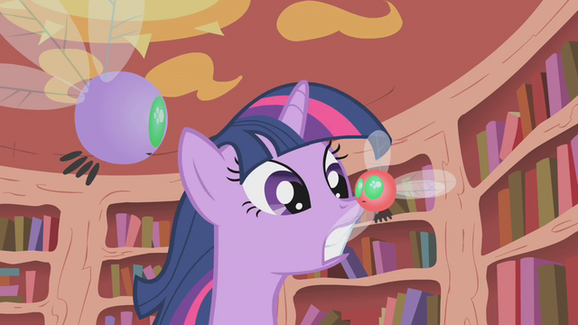 File:Twilight grabs a parasprite by the wing S1E10.png