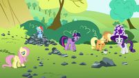 Main cast continues to try and find Boulder S4E18