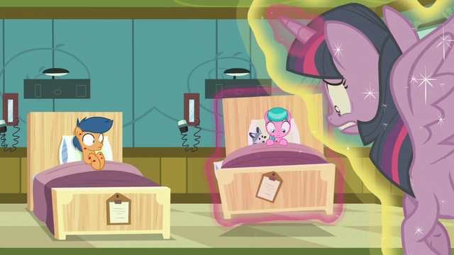 File:Twilight puts Aquamarine's bed on the floor again S7E3.png