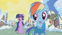 Rainbow Dash greets Twilight S1E11
