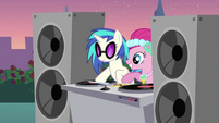 DJ Pon-3 hitting the disc S2E26
