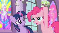 Pinkie Pie Hold it! S02E01