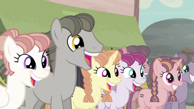 File:Ponies chattering S5E02.png