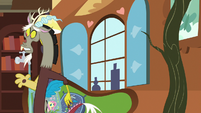 Discord quickly leaving Fluttershy's house S7E12