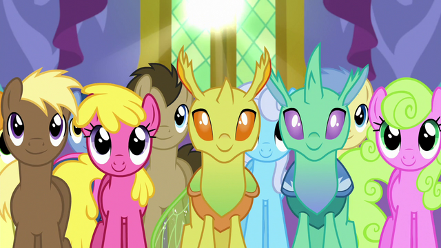 File:Ponies and changelings listening to Twilight S7E1.png